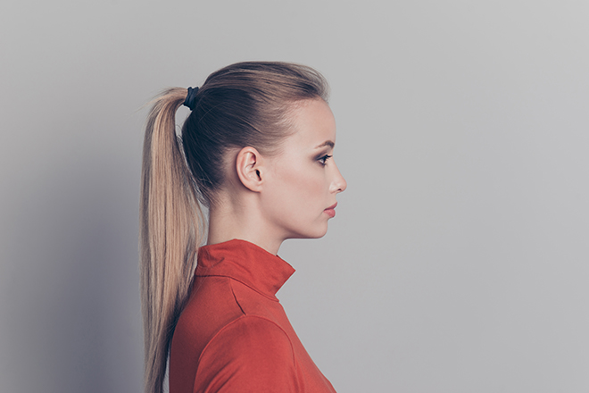 12-Best-Hairstyles-for-a-Student-Party-ponytail