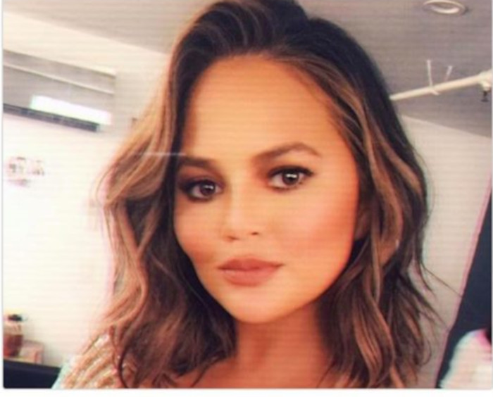 Fabulous Clebrity Bobs That Will Make You Chop Off Your Hair Chrissy Teigen
