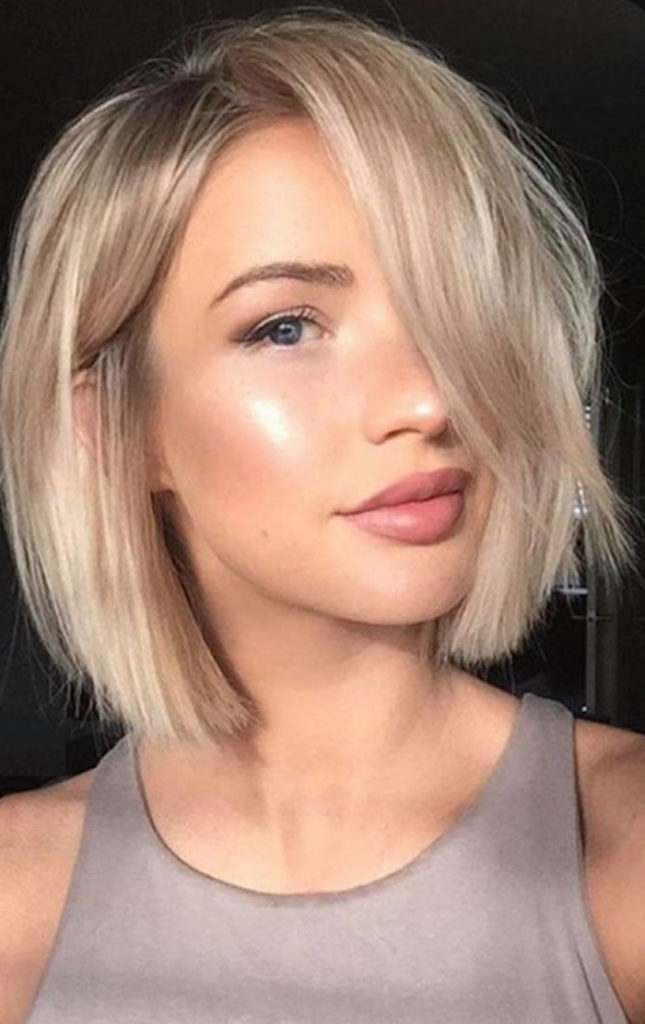 The Most Flattering Short Haircuts For Thin Hair ...