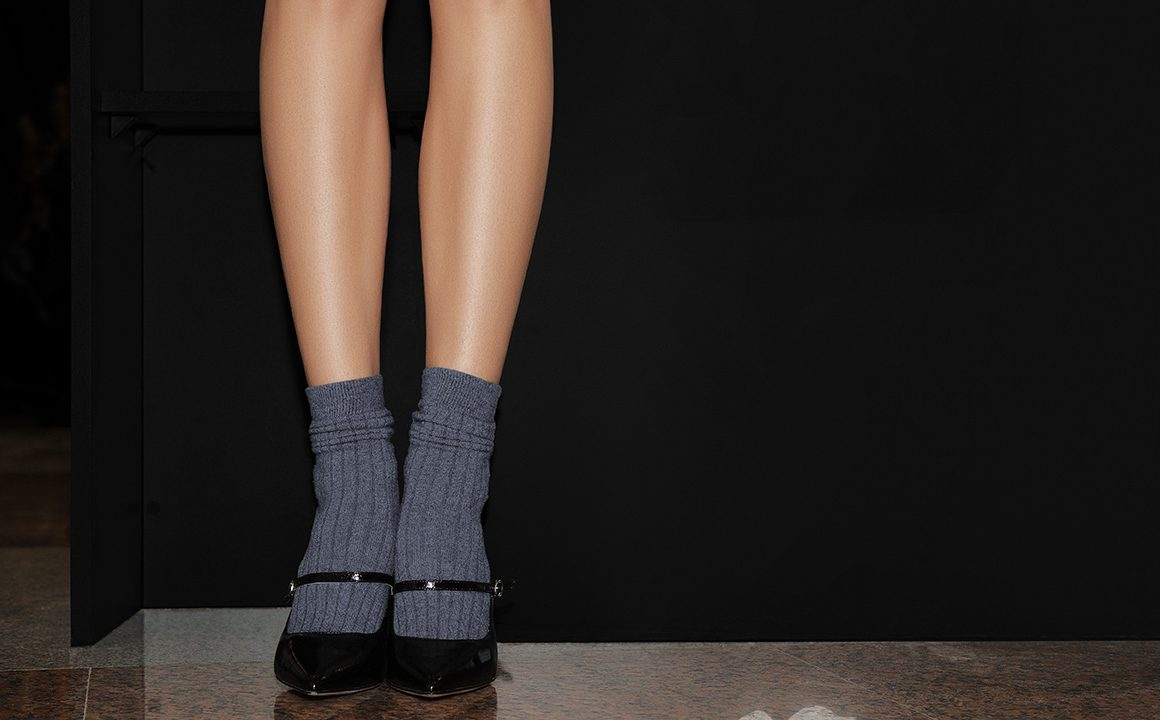 Fashion-Hacks-3-Tips-to-Pair-Your-Socks-with-Different-Outfits-main-image