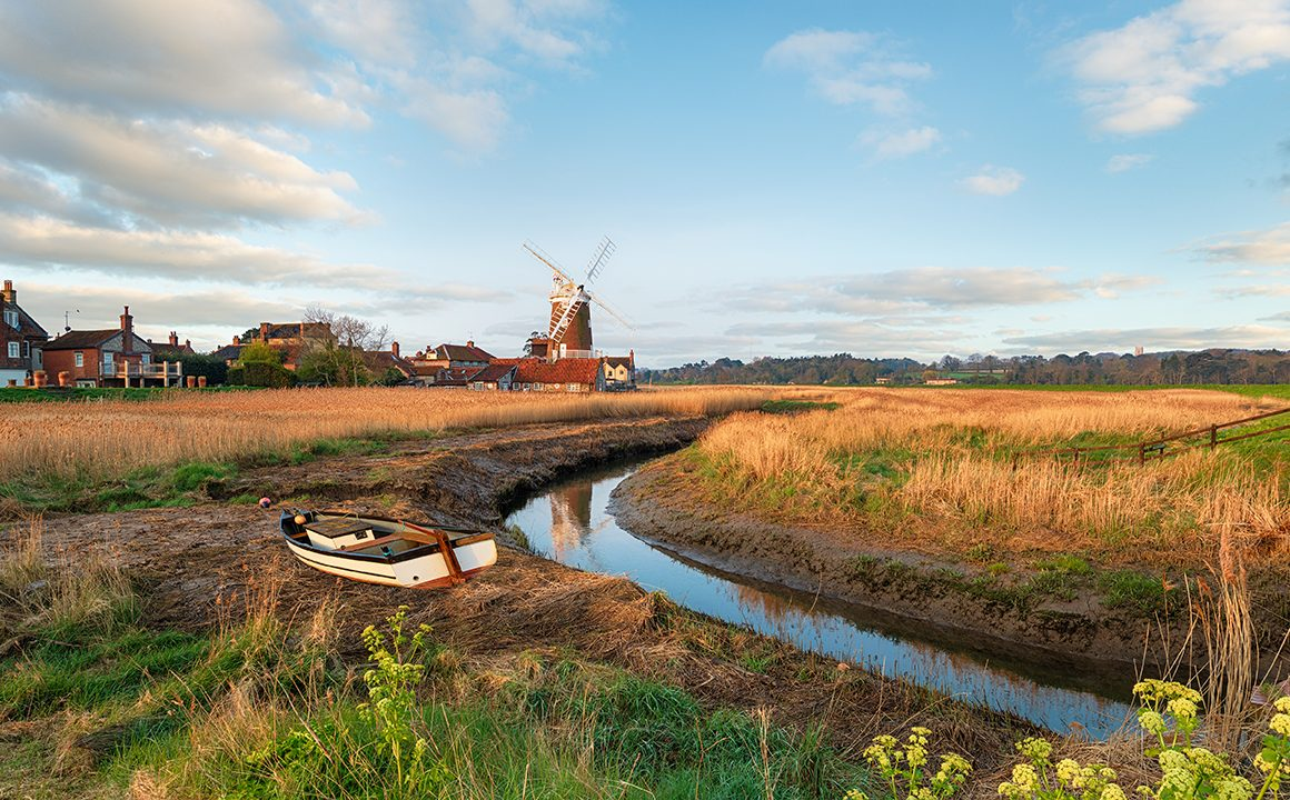 post-pandemic-rural-uk-travel-beautiful-countryside-with-windmill