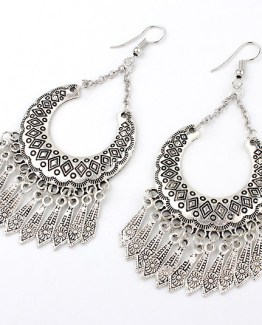 Metal Carved Vintage Dangle Tassel Earrings