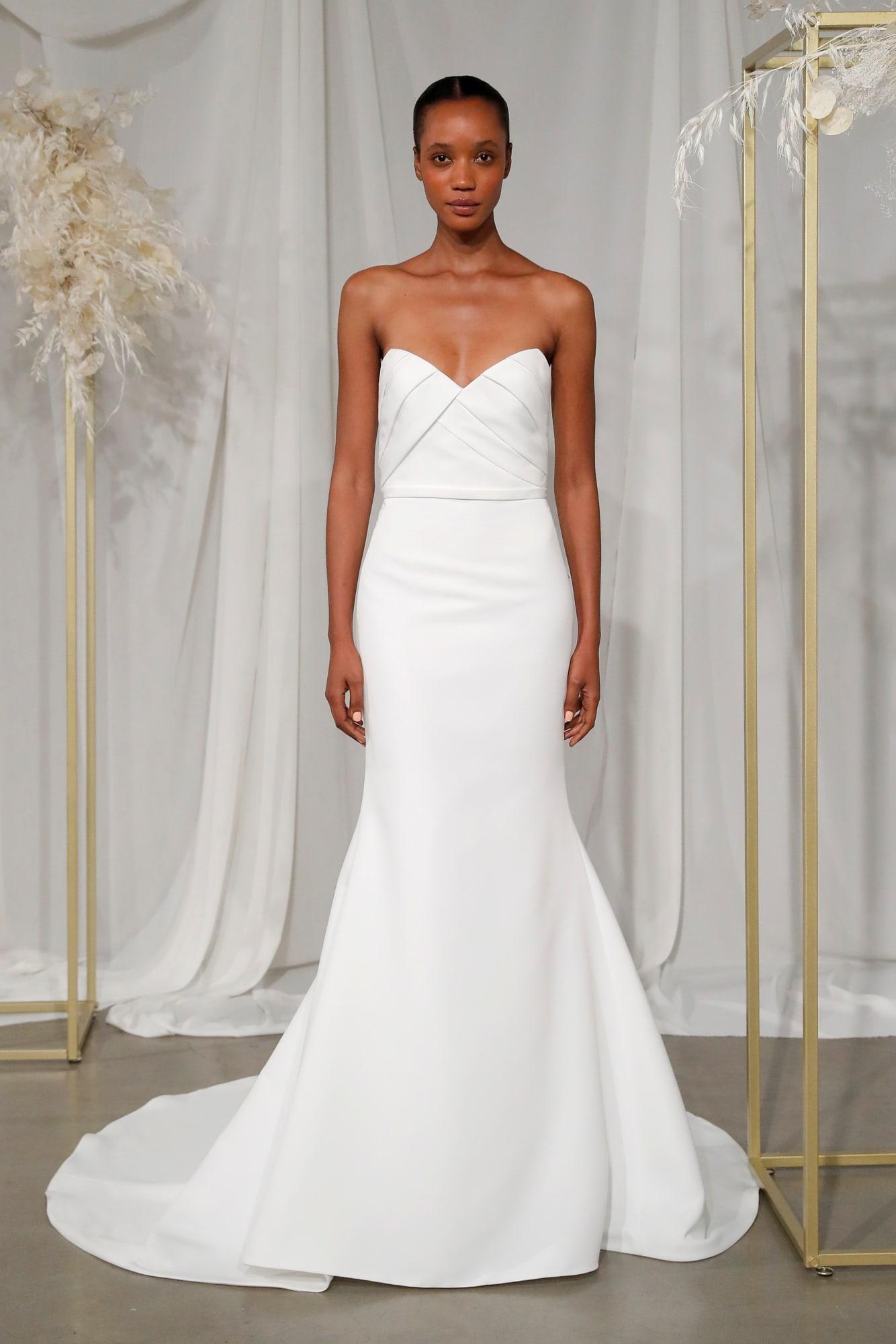 #2020wedding #2020weddingdresses #weddingtrend #weddingdresses #brides #bridalgown #modernwedding #amsale