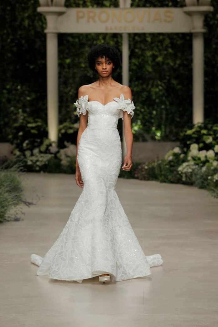 A look from the 2019 Atelier Pronovias collection available at Wedding Dress for Rent.
