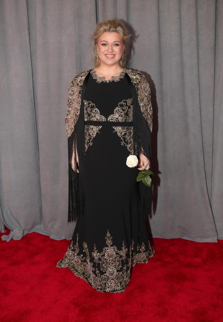 Kelly Clarkson in Christian Siriano - Red Carpet Grammy Award 2018