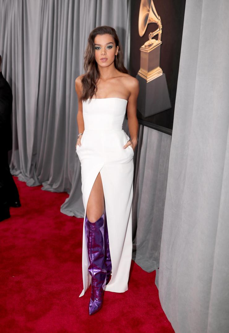 hailee steinfeld grammys - See All the Red-Carpet Looks From The 2018 Grammy Awards