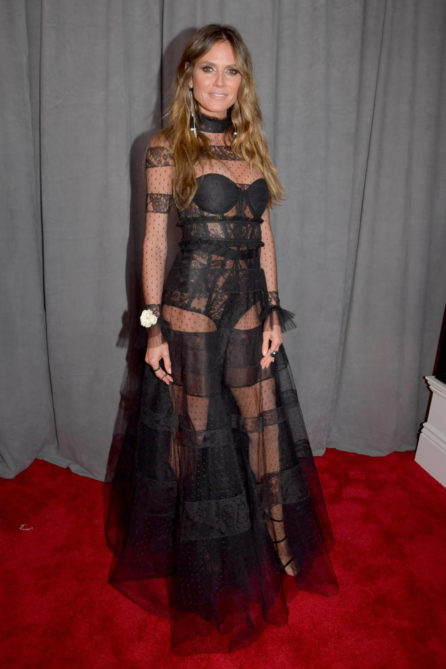 Heidi Klum in Ashi Couture - Red Carpet Grammy Award 2018