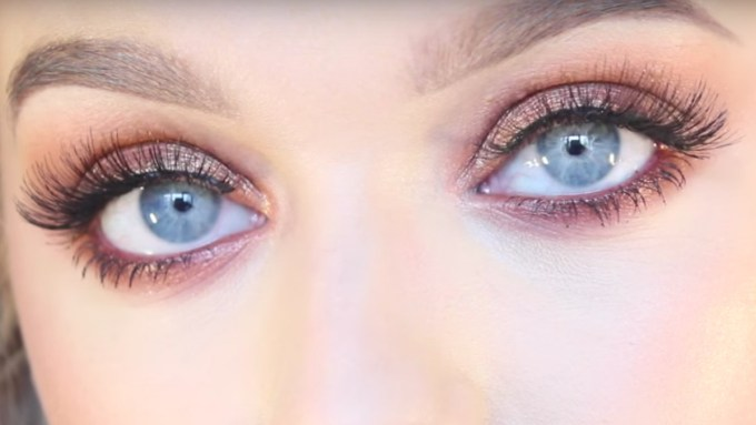 makeup tutorial for blue eyes - fashionista