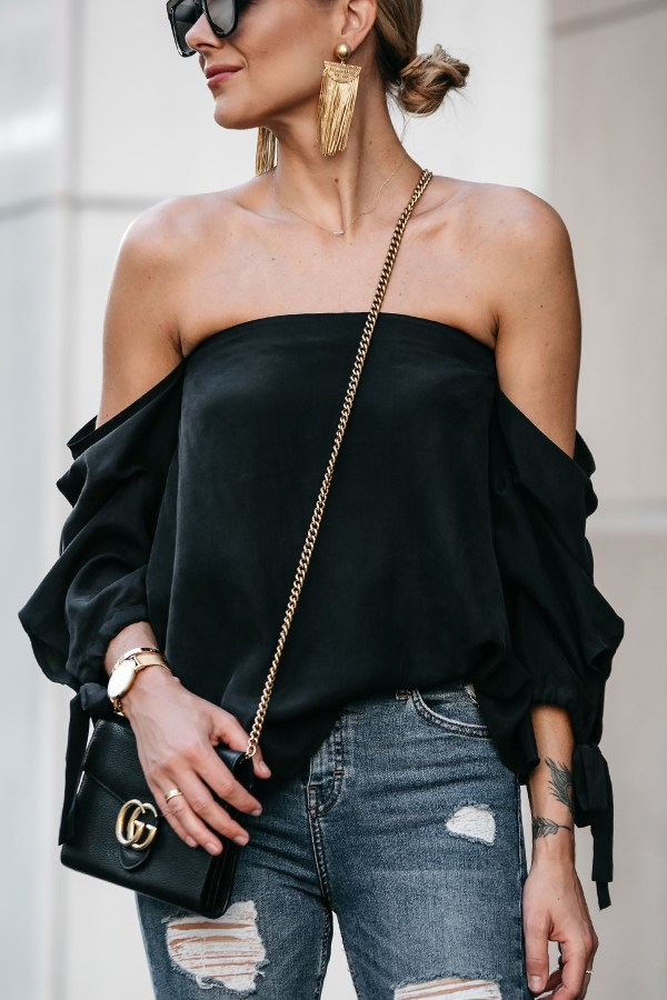 Black Off Shoulder Tops Outfits