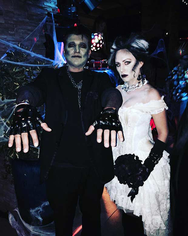 25 Super Crazy Halloween Costumes For Compact Couples  Fashionlookstylecom  Inspiration Your