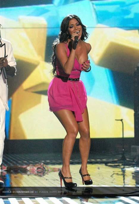 Nicole Scherzinger Sexy Pictures @ 2007 MTV Europe Music