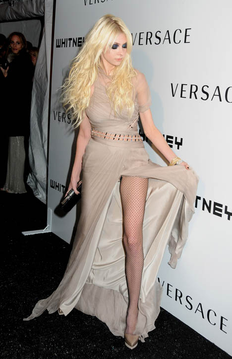 New Hd Wallpaper Com Taylor Momsen Whitney Museum Gala Gorgeous Fashionmag Us