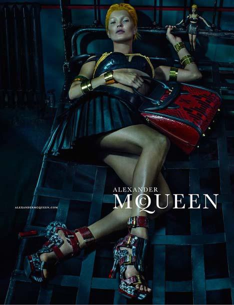 Kate-Moss-McQueen-01