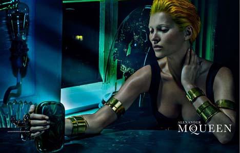 Kate-Moss-McQueen-03
