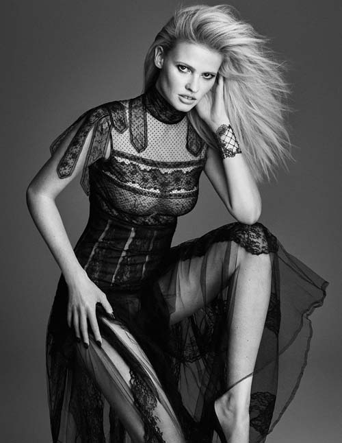 Lara-Stone-W-Korea-September-2015-Editorial-02