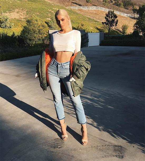 kylie-jenner-in-good-american-denim