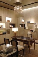 chanel-boutique-london-vogue-9-10jun13-sk_b_592x888