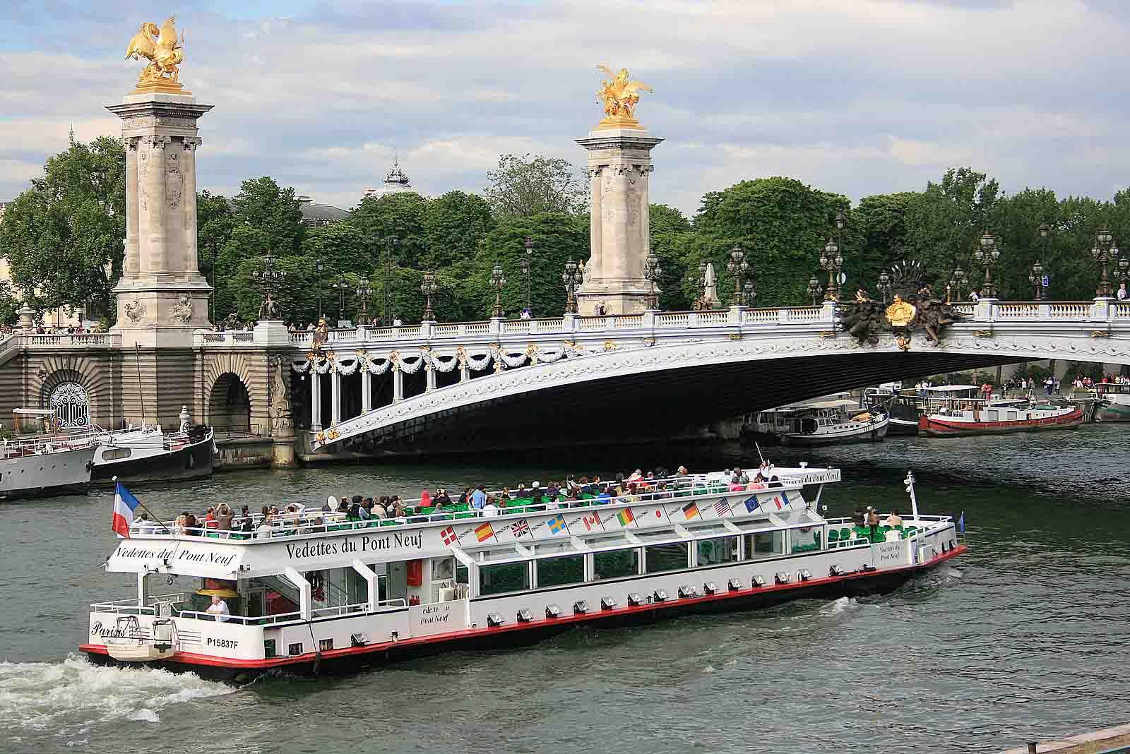 bateau-mouchevista-da-ponte-alexandrelll