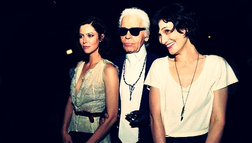 Karl Lagerfeld at the premiere of Once upon a time, in Singapore