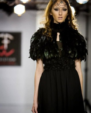 Femme Fatale Feathered Collar