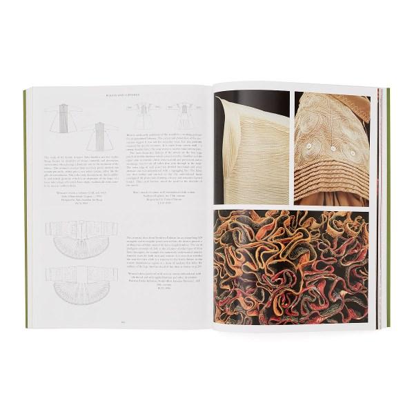 World Dress Fashion in Detail by Rosemary Crill, Jennifer Wearden, Verity Wilson