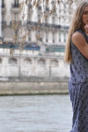 Walk along The river Seine