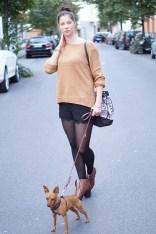 Caprice-love-FashionBlogBloggerShortsschwarzbraunbootsTopshopray-banherbsttrendoutfitstyling5