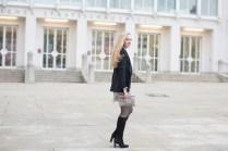 004_lace skirt, Alexandra Kasper Photography, blogger outfit with hat, The Golden Bun _ München Modeblog, German Fashion Blog, Fashionblogger, new trends