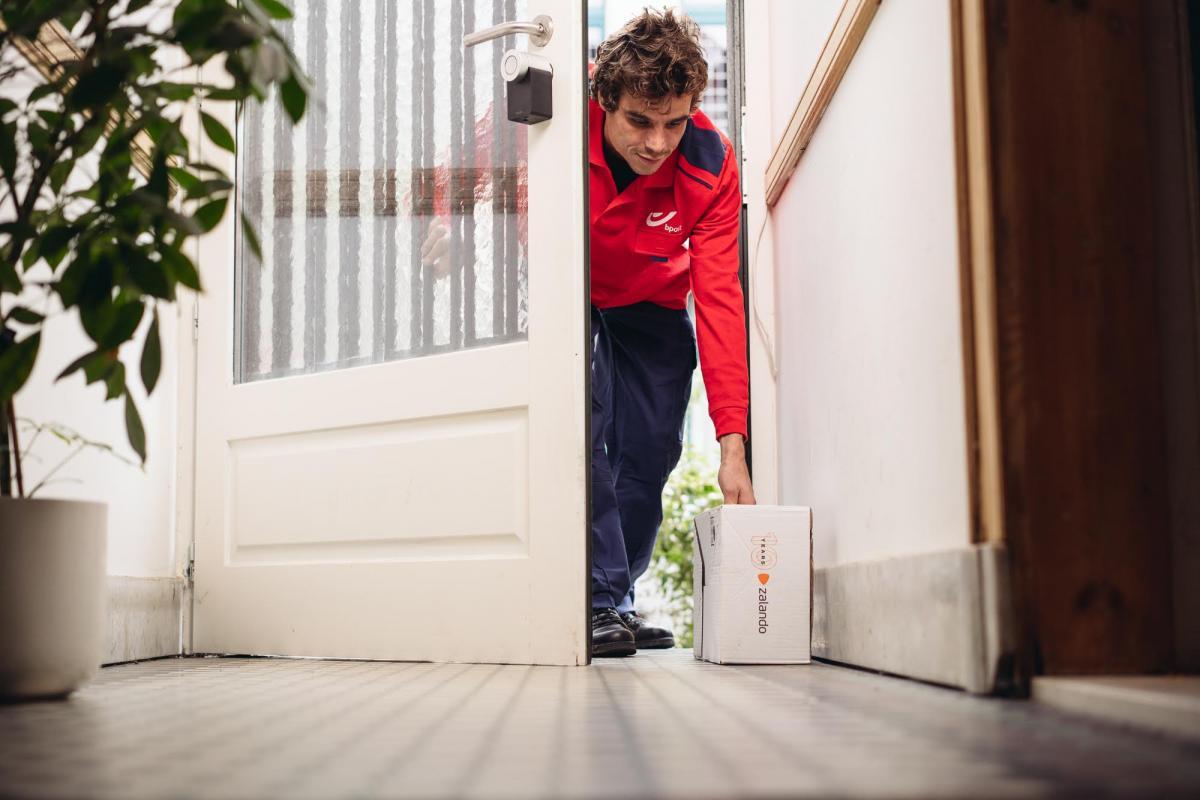 """""""In home delivery"""" remedium na opóźnione przesyłki – Zalando testuje rewolucyjne metody dostaw"""