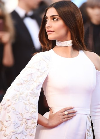 """CANNES, FRANCE - MAY 15: Sonam Kapoor attends the """"From The Land Of The Moon (Mal De Pierres)"""" premiere during the 69th annual Cannes Film Festival at the Palais des Festivals on May 15, 2016 in Cannes, France. (Photo by Ian Gavan/Getty Images)"""