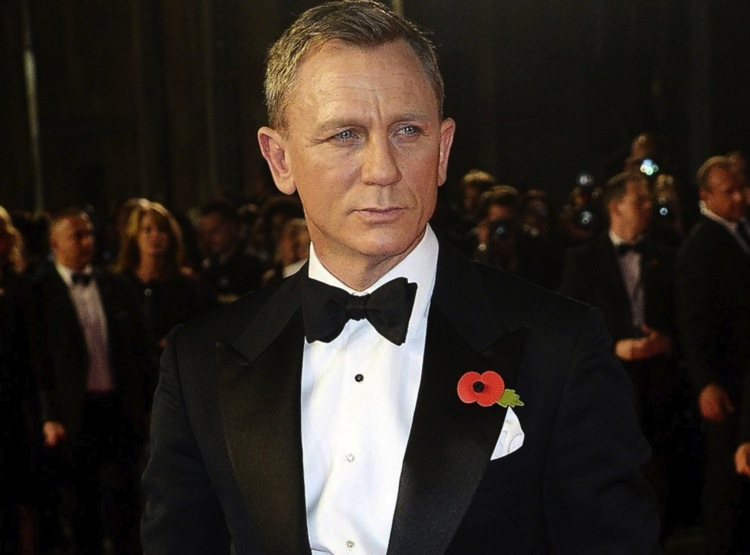 daniel-craig-tom-ford-suit-james-bond-sprectre-premiere-6