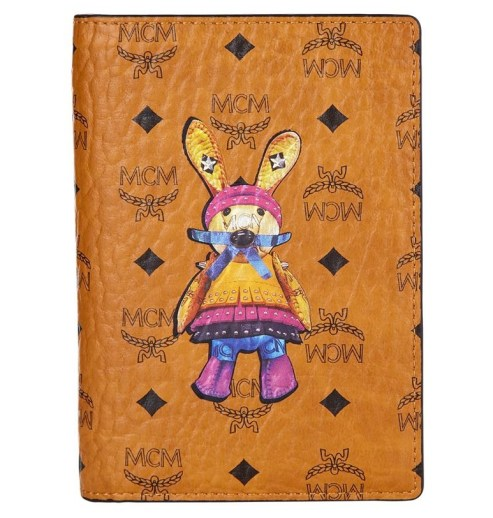 mcm-rabbit-2016-passport-case
