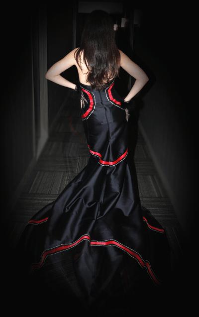 """""""Zero"""" dress back view"""