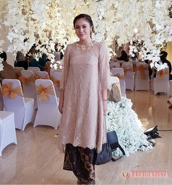 Kebaya Brokat Modern Model Tunic Soft Mocca Fashionsista Co