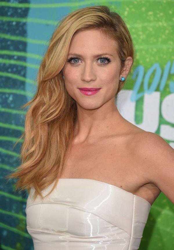 CMT Music Awards Brittany Snow 2015