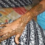 Beautiful Eid Mehndi Designs collection 2013 for girls (3)