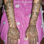 Beautiful Eid Mehndi Designs collection 2013 for girls (7)