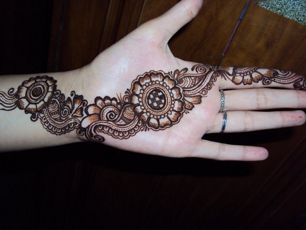 simple mehndi designs 2016