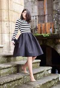 16 Outfit Ideas With A Midi Skirt - fashionsy.com