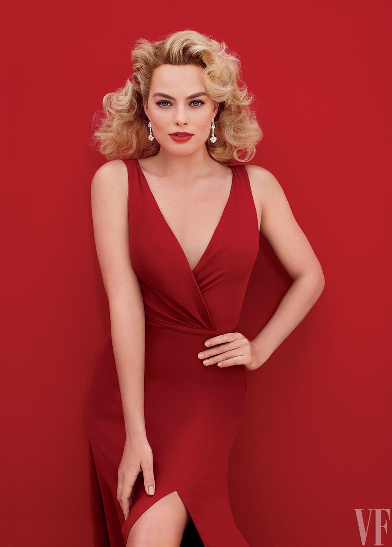 Curly Hair Girl Wallpaper Margot Robbie As Marilyn Monroe For Vanity Fair
