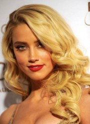 elegant side part curly hairstyles