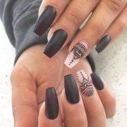 coffin nails manicure