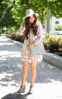 summer outfits with wedge sandals