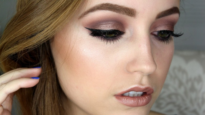 See Why Las Have Fallen In Love With Taupe Eyeshadow Makeup Ideas