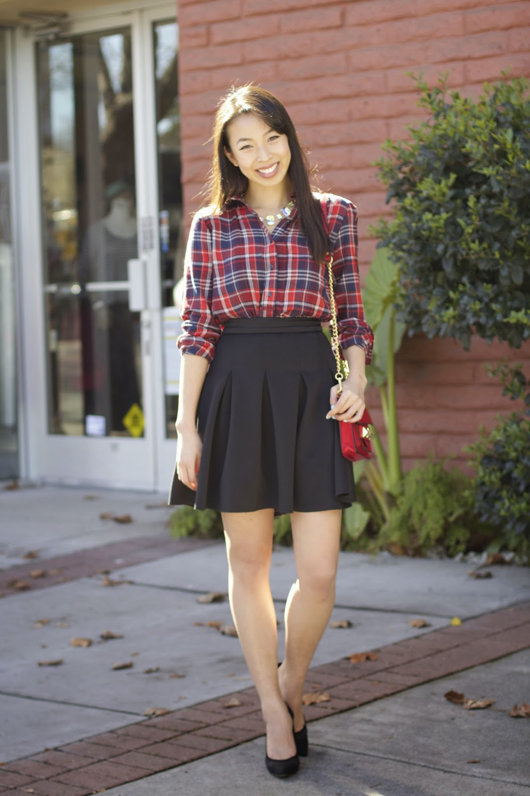 15 Fascinating Midi Skirt Outfits That Will Give You