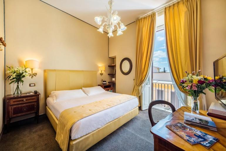 Best Hotels In Rome Italy Where To Stay In Rome Fashion Travel Accessories Hotel Scalinata Di Spagna 3.2