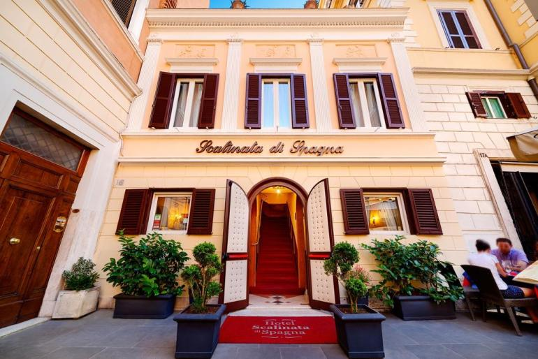 Best Hotels In Rome Italy Where To Stay In Rome Fashion Travel Accessories Hotel Scalinata Di Spagna 3