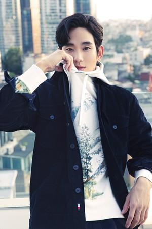 韓国の俳優、キム・スヒョンがトミー ヒルフィガーのブランドアンバサダーに就任