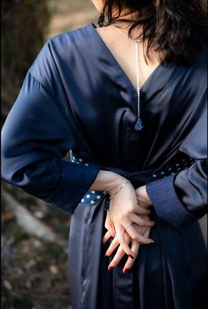 久留米絣を取り入れたウエアと、佐賀県肥前地区で生み出される陶磁器のジュエリー。〈CATHRI/カスリ〉×〈HIZEN jewelry/ヒゼンジュエリー〉のポップアップイベントを日本橋三越本店で開催!