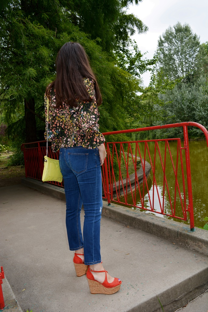 SUMMER FLORAL PRINT OBSESSION AND RED SANDALS OBSESSION